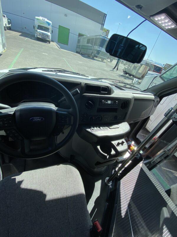 2020 Ford E-450 Elkhart EC2